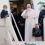 O Papa Francisco já iniciou a viagem como peregrino do Iraque