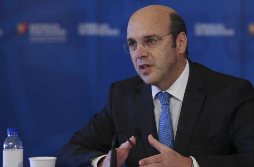 Governo quer dar as melhores condições às empresas para «aproveitar retoma do mercado»