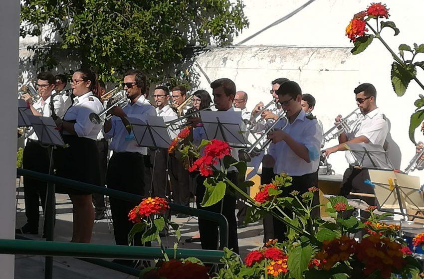 Dia Internacional do Idoso: Idosos assistem a concerto  da Banda de Reguengos